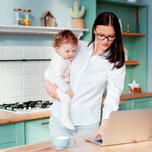 Los autónomos ya están cobrando en su pensión 378 euros más por hijo con el nuevo complemento de maternidad